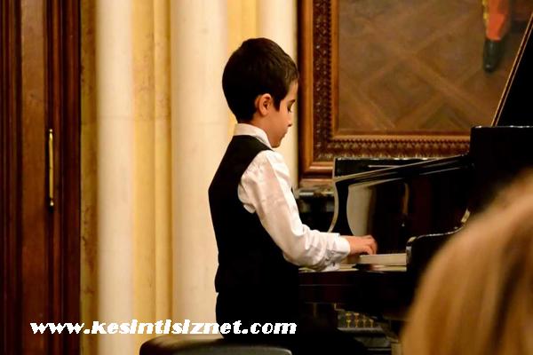 Çocukları müziğe yönlendirme, çocuklarda özgüven gelişimi, müziğin özgüveni geliştirmesi
